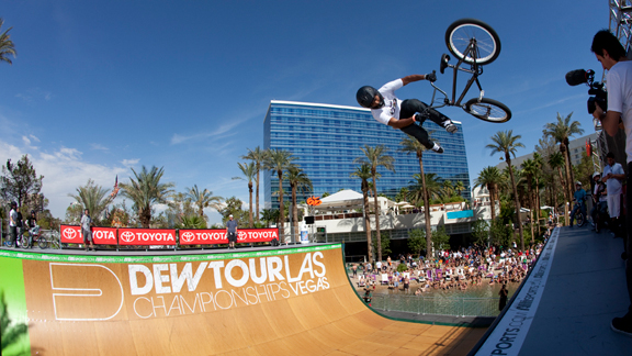 Austin Coleman downside whips his way into BMX vert finals for Sunday's Dew Tour Championships.