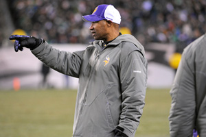 The Vikings' victory over the Eagles guarantees Leslie Frazier at least a .500 record as interim head coach.