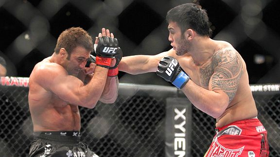 Phil Baroni  and Brad Tavares