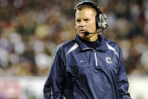 Connecticut Huskies head coach Randy Edsall