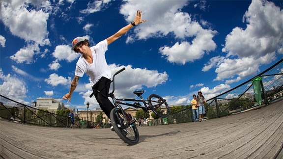 No-handed plasticman in Paris, France. a class=launchGallery href=http://www.espn.com/action/photos/gallery/_/id/5998718/new-face-flatland-matthias-dandoisiLaunch Matthias Dandois Gallery »/i/a