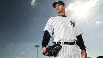 Yankees put Pettitte on DL with strained muscle