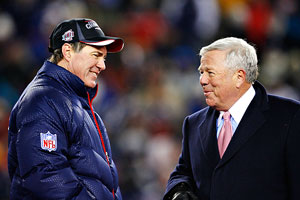 Patriots owner Robert Kraft and Bill Belichick were all smiles after winning the AFC title in 2008, before falling short in the Super Bowl vs. the Giants.