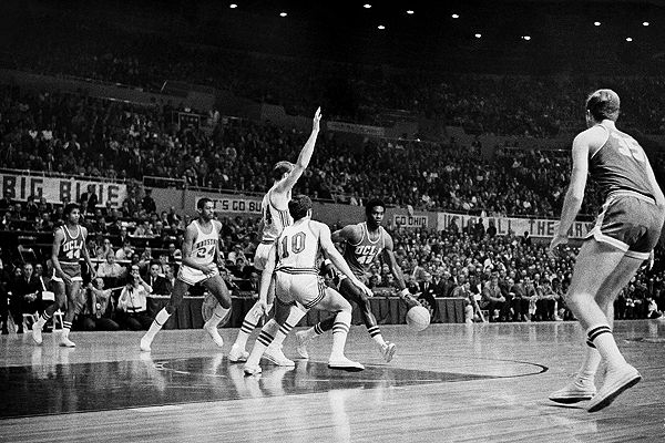 Chick Hearn, Marvin Gaye, Kareem Abdul-Jabbar and Jerry Buss helped define basketball in Los Angeles