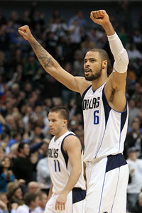 Tyson Chandler and J.J. Barea