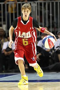 http://a.espncdn.com/photo/2011/0218/nba_g_bieber11_200.jpg
