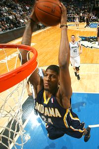 Jeremy Evans wins Dunk Contest