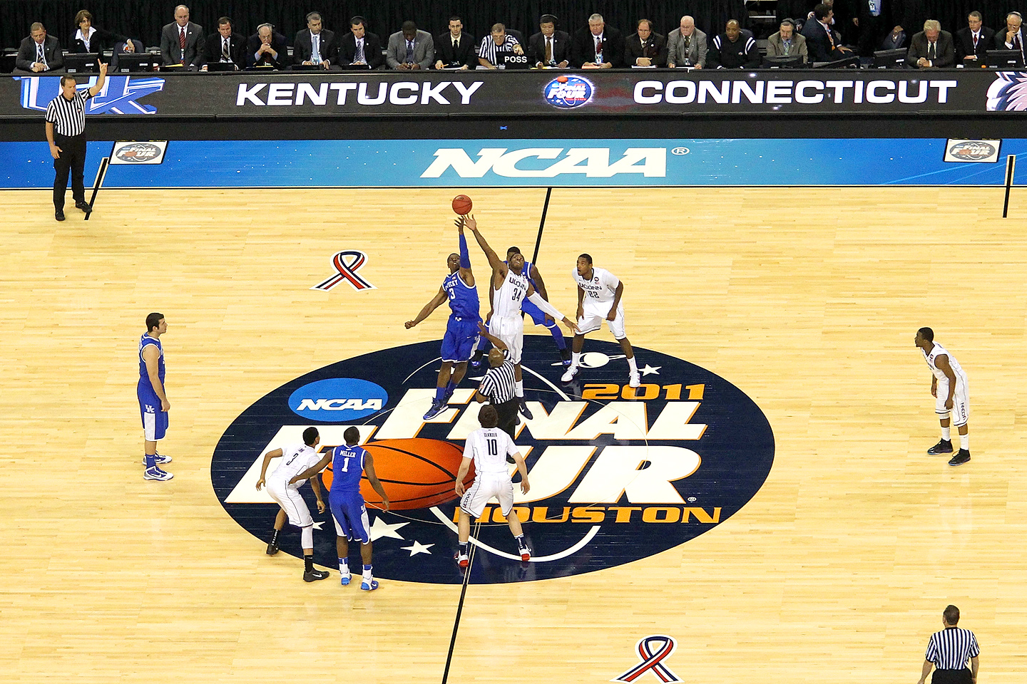 UConn, Kentucky tip