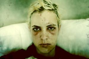 Samantha Ronson, sier hun må spise gjennom sugerør! thumbnail