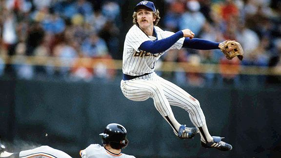 Robin Yount makes the turn.