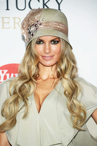 0e9a579c94c0 Supermodel Marisa Miller eagerly awaiting Chicago Bulls-Miami Heat ...