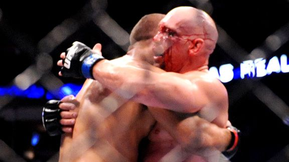 Shane Carwin Vs Junior Dos Santos