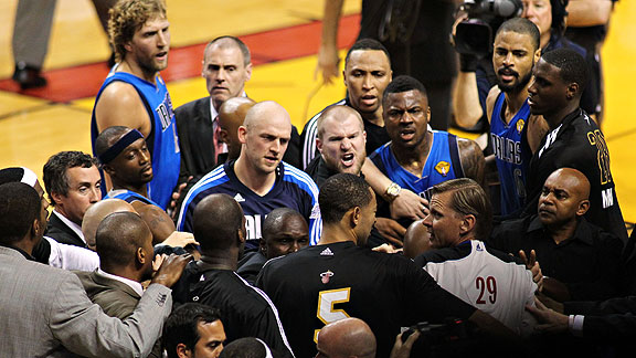 Mavericks and Heat scuffle