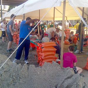 Omaha flooding sandbagging