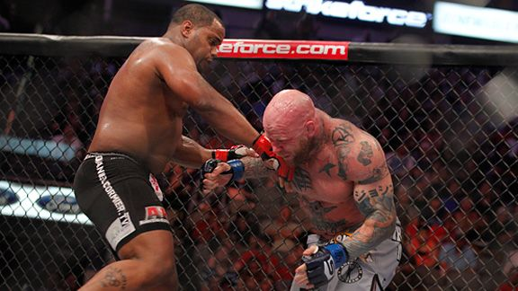 Daniel Cormier vs Jeff Monson