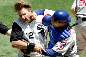 Michael Barrett punches A.J. Pierzynski