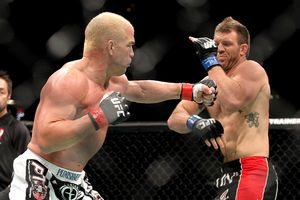 Tito Ortiz vs Ryan Bader