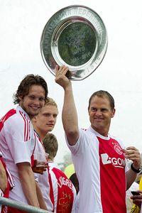 Frank de Boer celebrating