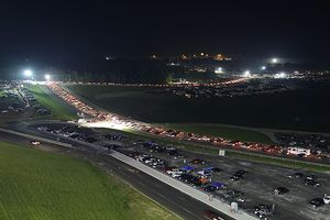 Kentucky Speedway traffic