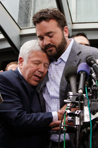 Jeff Saturday and Robert Kraft