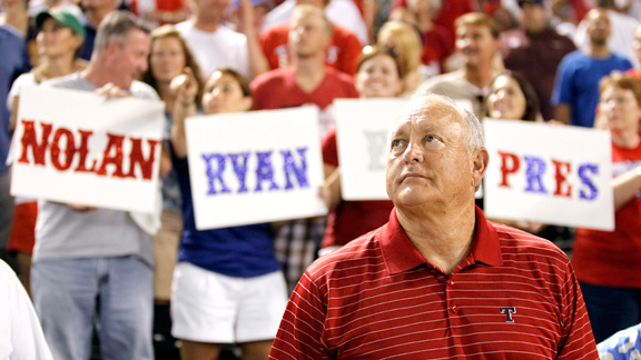 Nolan Ryan celebrated by fans in 2011