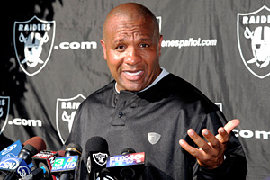 Raiders coach Hue Jackson