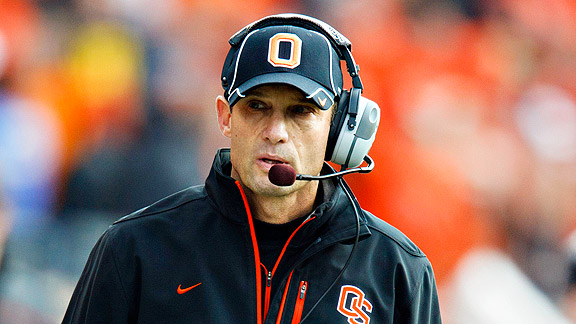Oregon State Beavers coach Mike Riley goes off the ...