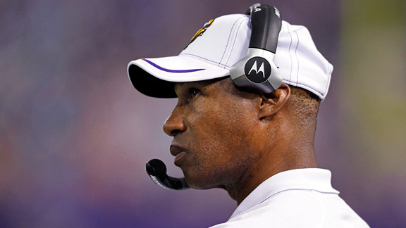 Leslie Frazier tap dances around (lack of) contract talk