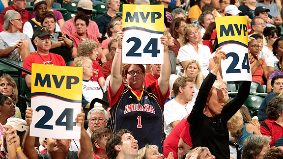 Tamika Catchings fans