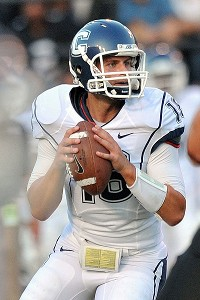 Connecticut Huskies quarterback Johnny McEntee