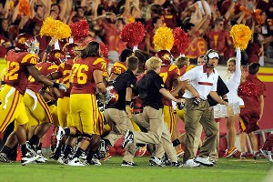 USC sideline reacts to the game-ending blocked kick