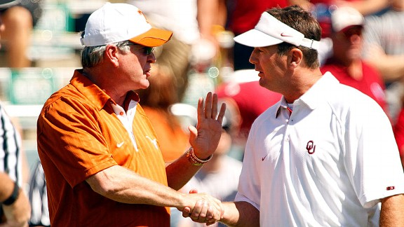 Mack Brown talks with Bob Stoops