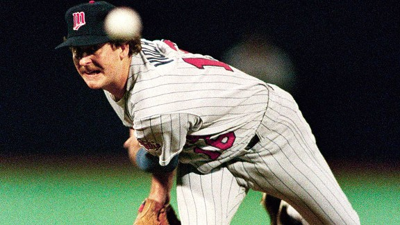Twins pitcher Frank Viola throws during the first inning of Game 4 of the 1987 World Series.