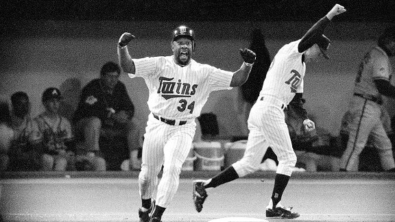 Kirby Puckett celebrates his 11th inning home run in Game 6 to tie the 1991 World Series against the Braves.