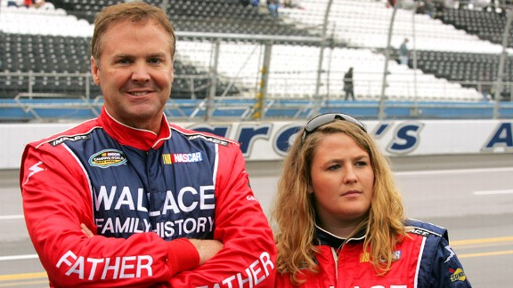 Mike Wallace, Chrissy Wallace