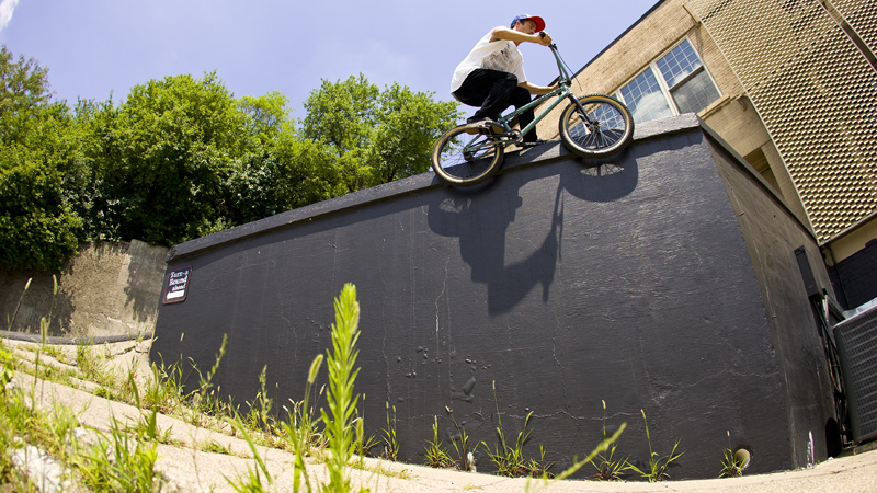 /photo/2011/1107/as_bmx_cody4_800.jpg