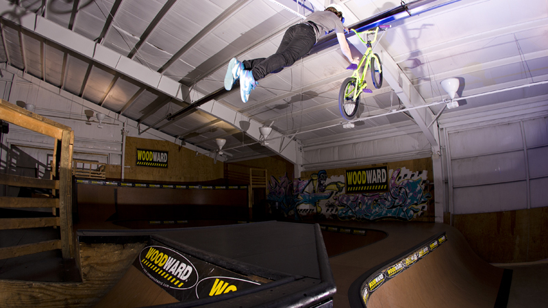 /photo/2011/1107/as_bmx_cody9_800.jpg