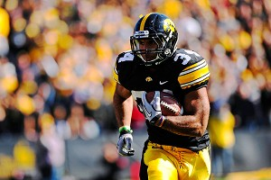 Iowa Hawkeyes running back Marcus Coker