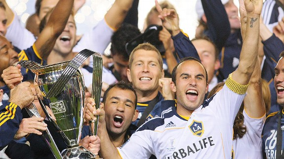 MLS CUP: Donovan, Beckham lead Galaxy to title