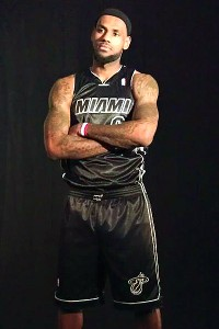 miami heat lebron james fashions the heat s new black alternate jersey