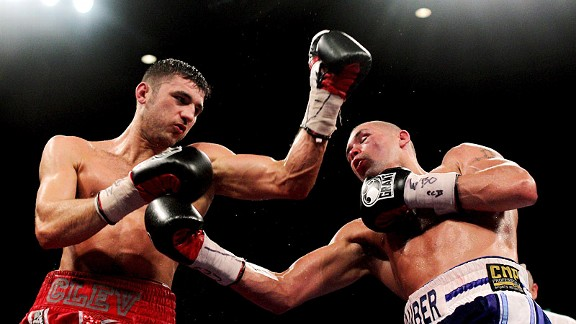 Nathan Cleverly (L) Tony Bellew