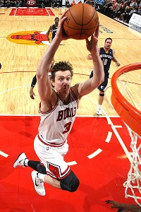 Bulls should think long term, let Asik walk - Chicago Bulls Blog