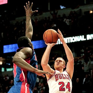 dunk contest and 3-point shootout brian scalabrine