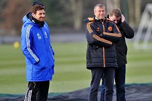 Roman Abramovich with (L) Chelsea manager Andre Villas-Boas