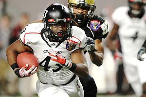 Cincinnati Bearcats linebacker Nick Temple