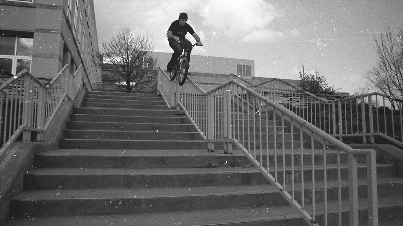Mike Tag, multi-kinker with ease. a class=launchGallery href=http://espn.go.com/action/photos/gallery/_/id/7658306/bmx-portfolio-seth-holton-early-00s-collectioniLaunch Gallery »/i/a