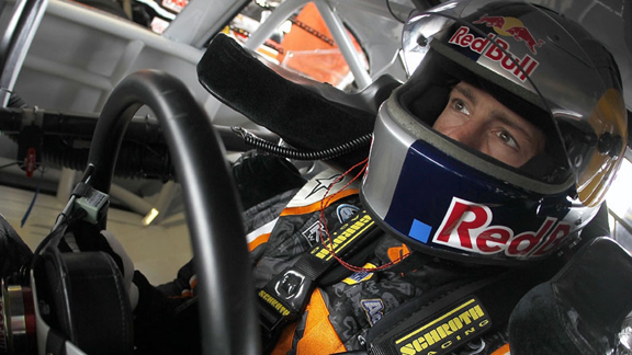 Pastrana returns to NASCAR circuits