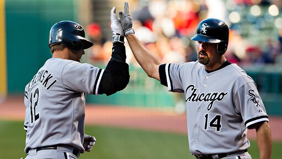 WHITE SOX win fourth in a row behind Gavin Floyd, 3 HRs
