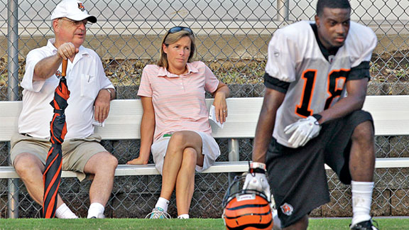 Katie Blackburn is a real glass-ceiling breaker -- she's the Bengals executive VP.