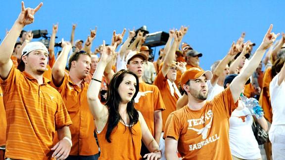 Texas baseball fans